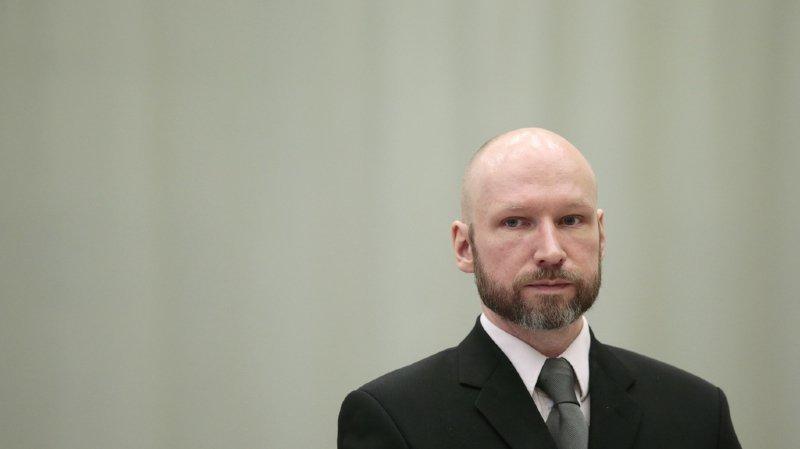 L'extrémiste de 38 ans, qui a changé son nom en Fjotolf Hansen, purge une peine de 21 ans de prison susceptible d'être prolongée indéfiniment.