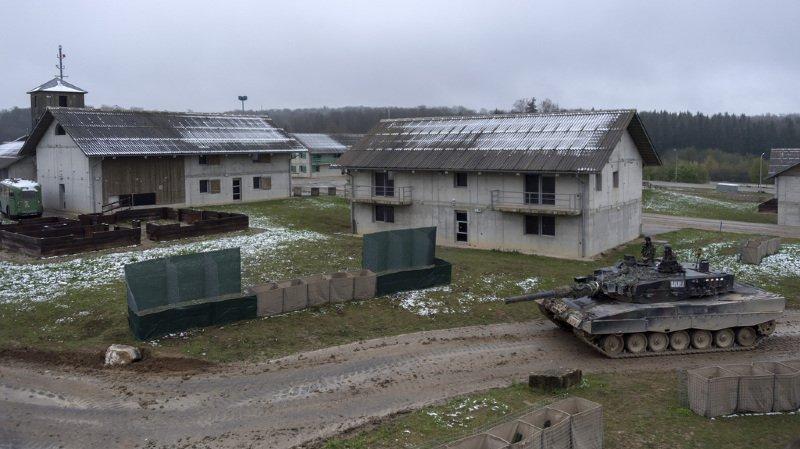 La place d'armes de Bure peut héberger quelque 1400 personnes.