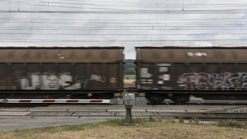 En plus du danger, les vandales qui taguent les wagons s'exposent à des poursuites judiciaires.
