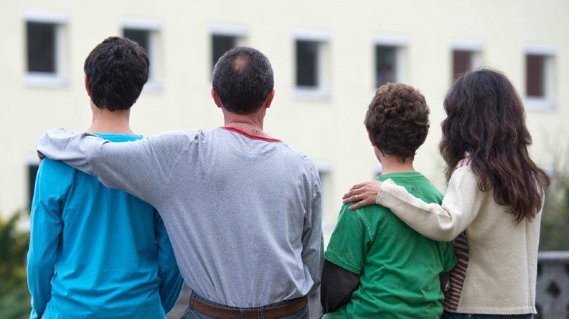 Le jugement du Tribunal administratif fédéral qui a autorisé le renvoi ne tenait pas compte de la fragilité psychologique du père et des deux plus jeunes enfants.