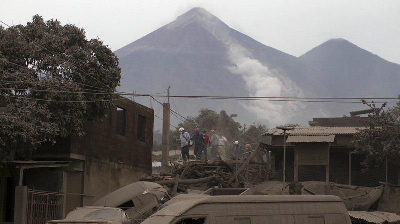 Guatemala: l'éruption du Volcan de Fuego fait au moins 69 morts, le bilan pourrait encore grimper