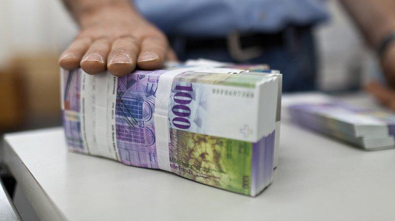 Depuis 2011, les salaires à l'étage de la direction ont grassement augmenté de 16%, note Travail.Suisse.