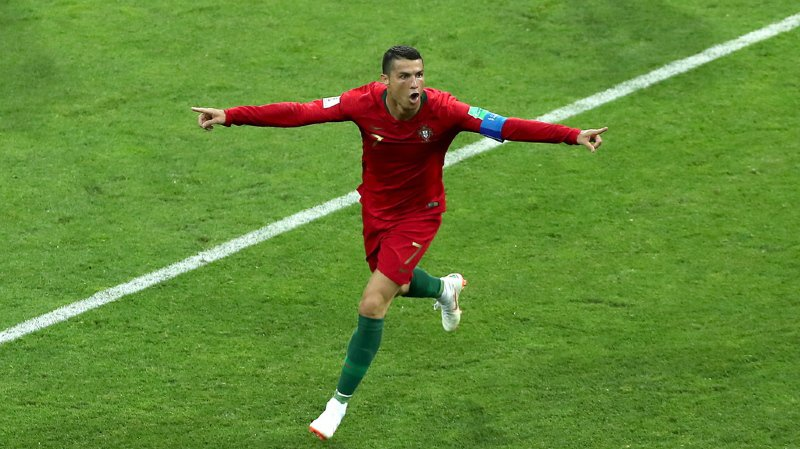 Coupe du monde 2018: le Portugal accroche le nul face à l'Espagne grâce à un triplé de Ronaldo
