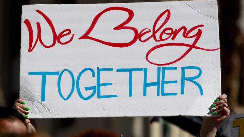 """Les familles séparées devront être à nouveau réunies: plusieurs plaintes ont été déposées concrnant la politique """"zéro tolérance"""" de Donald Trump"""