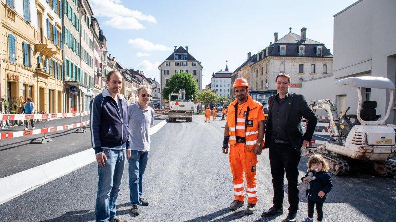 Les autorités sont heureuses d'arriver au bout du chantier de la place du 1er-Août à temps.