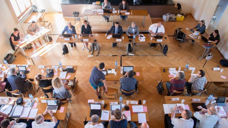 Le Conseil général de Val-de-Ruz était réuni ce lundi soir à la salle de spectacles de Dombresson pour la dernière séance avant l'été.