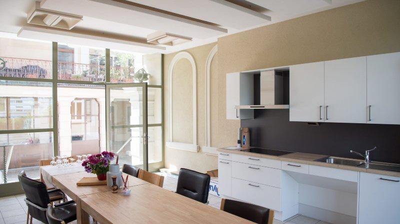 Le canton de Neuchâtel doit encore créer 370 places d'accueil de jour pour personnes âgées