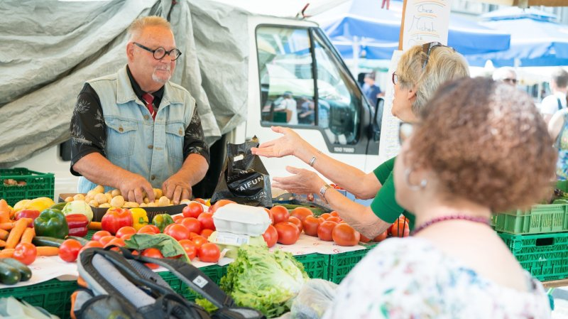 Samedi au marché, public et commerçants se sont dits opposés au déménagement place de la Carmagnole