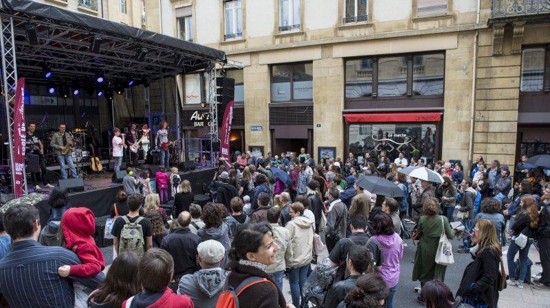 La grande scène de la fête de la musique.  Photo: Lucas Vuitel