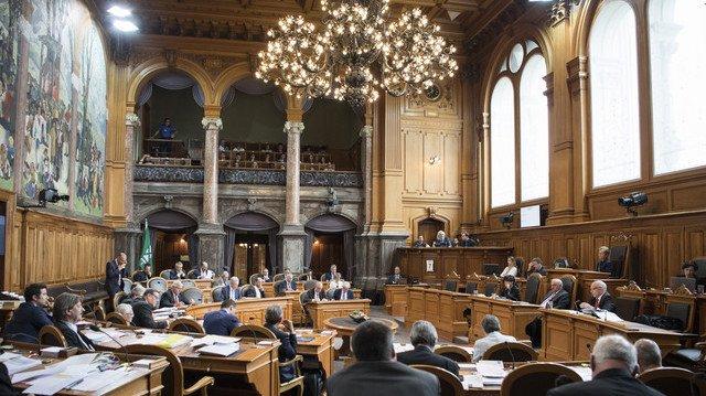 Le Conseil des Etats a concocté un compromis politique pour régler les dossiers de l'AVS et de l'imposition des entreprises.