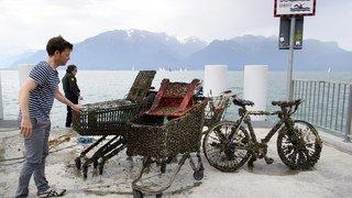 Nettoyage du lac Léman: des caddies, des vélos, des pneus et un obus retrouvés par les plongeurs