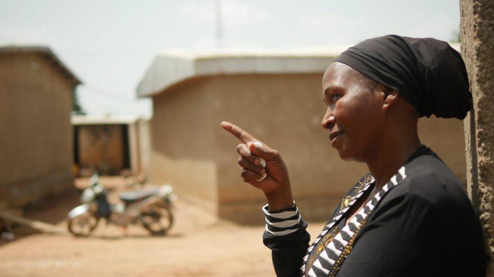 Aby Sylla, excisée à l'âge de six ans, avant l'interdiction prononcée en 1998, se bat aujourd'hui contre les mutilations génitales qui persistent  encore en Côte d'Ivoire.