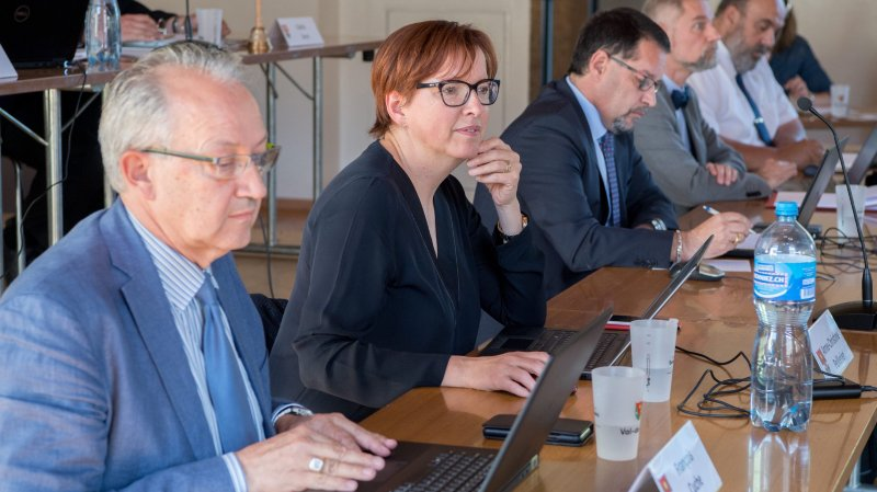 Val-de-Ruz: réduire le salaire du personnel communal est illégal
