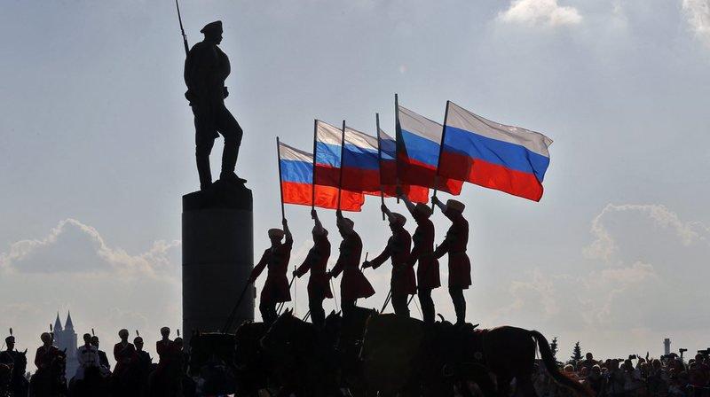 Complot: un gouvernement secret dirige le monde, pour la majorité des Russes