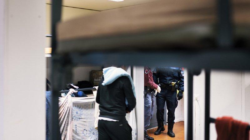 Une détention administrative peut être ordonnée si l'on craint qu'une personne tente de se soustraire à son renvoi.