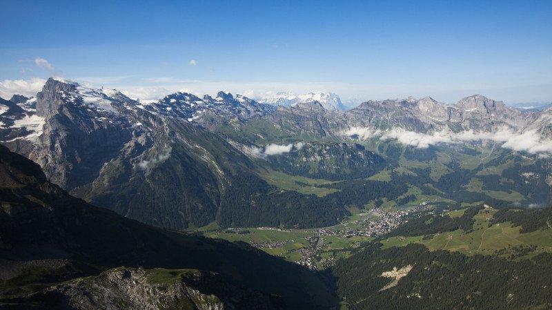 Obwald: une parapentiste se tue à Engelberg