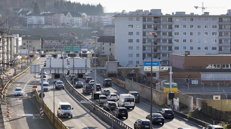 C'est le bruit du trafic en général que les personnes sondées trouvent le plus gênant, plus particulièrement les voitures (19%) et les avions (14%).