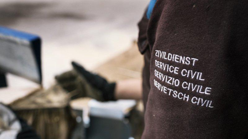 Service civil: un comité ne veut pas du projet de loi qui vise à diminuer le nombre de civilistes