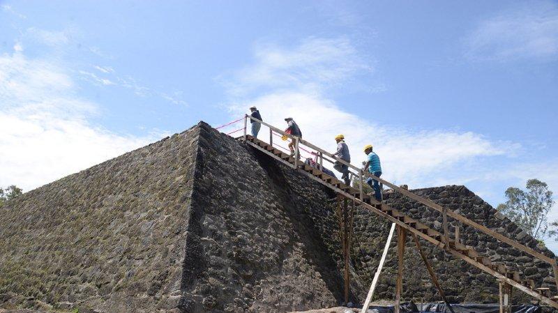 Mexique: les archéologues découvrent un temple dans une pyramide endommagée par le séisme