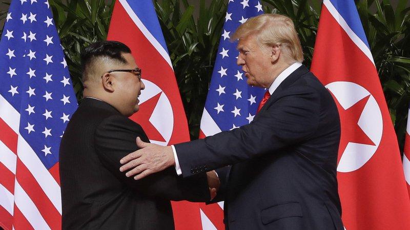 """Le dirigeant nord-coréen Kim Jong-un est quelqu'un de """"très intelligent"""", avec une """"personnalité géniale"""", a déclaré dimanche le président américain ,"""