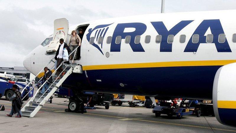 Allemagne: 33 passagers hospitalisés après une dépressurisation à bord d'un vol Ryanair
