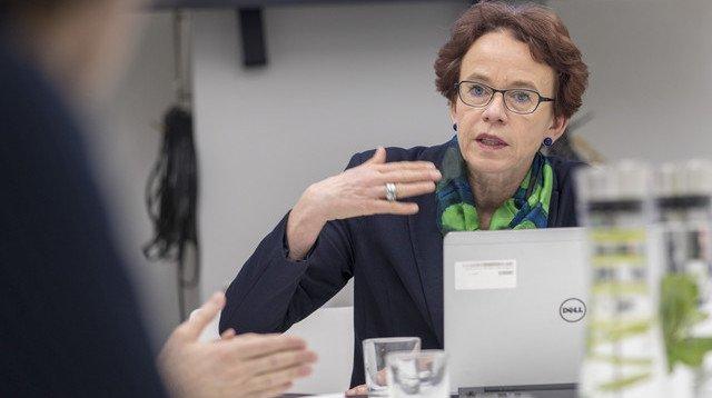 La conseillère d'Etat Eva Herzog peut se réjouir. Le canton de Bâle-Ville a enregistré un bénéfice de 251 millions de francs en 2017. Mais les impôts ne devraient pas diminuer.