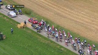 Tour de France: le peloton a été arrêté par des lacrymos