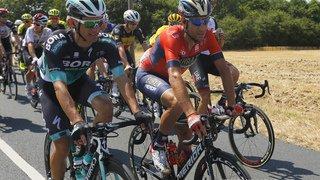 Cyclisme - Tour de France: Nibali, bousculé par un spectateur à l'Alpe d'Huez, contraint à l'abandon