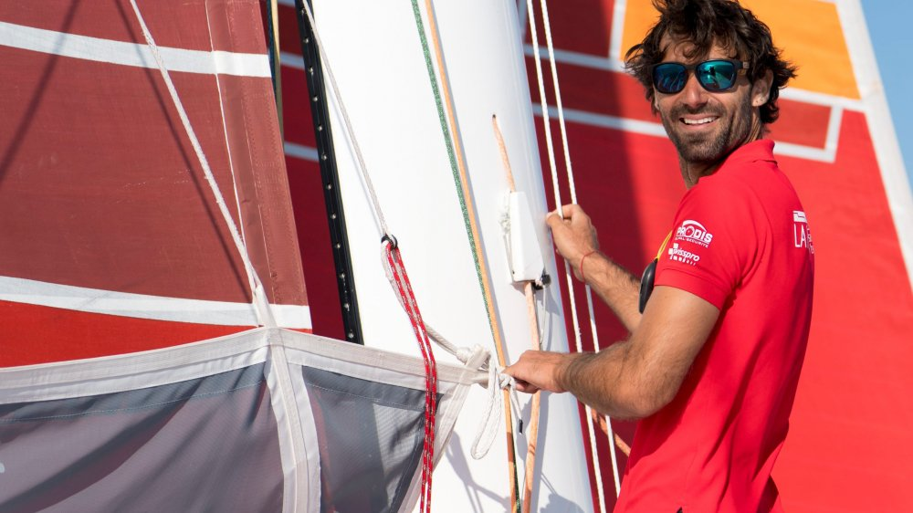 Alan Roura et son équipe ont modifié quasiment de A à Z l'ancien  bateau d'Armel Le Cléac'h et Bertrand de Broc.