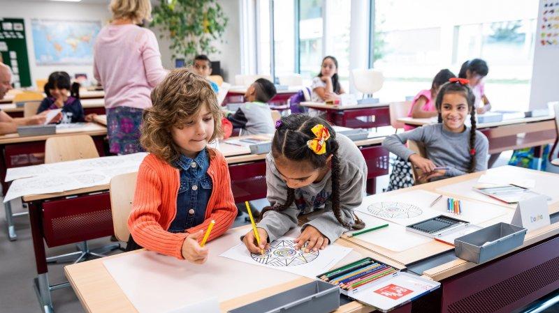 La rentrée scolaire de petits requérants d'asile à La Chaux-de-Fonds