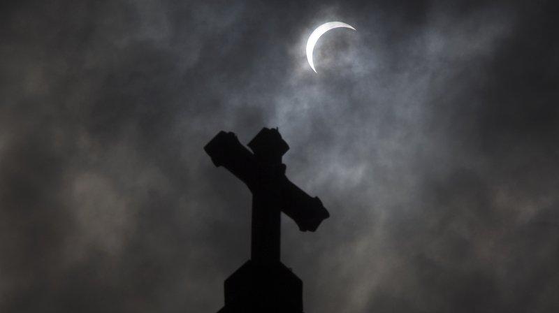 États-Unis: une enquête accuse 300 prêtres de pédophilie sur 1000 enfants au moins