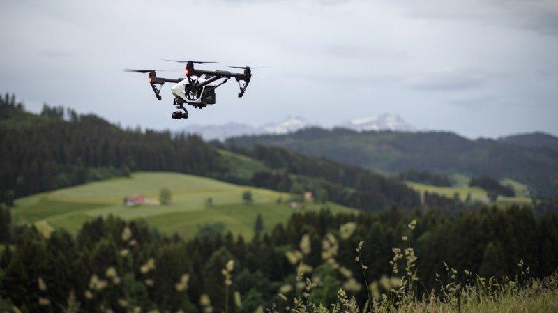 Trafic aérien: vers un registre obligatoire du trafic des drones en Suisse
