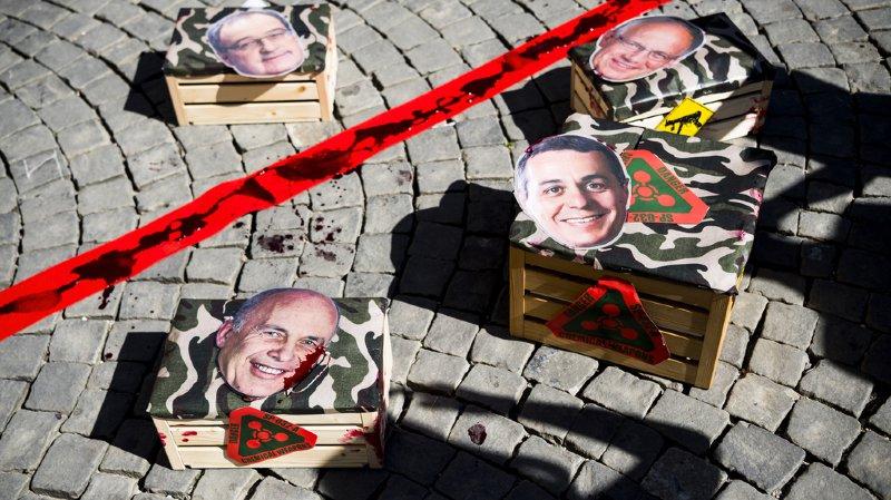 """Après les manifestations et les pétitions, les opposants brandissent une nouvelle """"arme"""": l'initiative populaire (archives)."""
