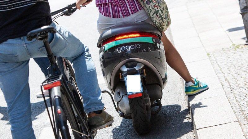 Les cyclistes se protègent mieux que les scootéristes, selon le bpa