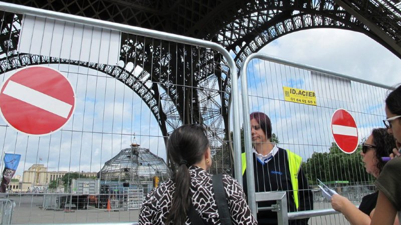 France: un conflit social a entraîné la fermeture de la Tour Eiffel