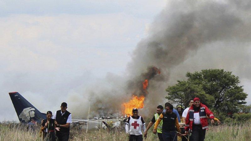 Mexique: près de cent passagers survivent au crash d'un avion
