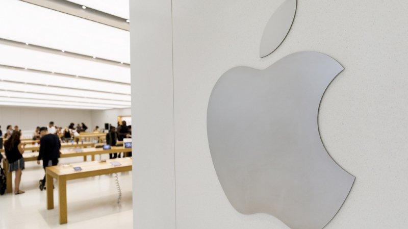 Bourse: Apple devient la 1ère entreprise privée à valoir 1000 milliards de dollars