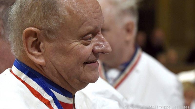 Gastronomie: les toques du monde entier s'inclinent devant Joël Robuchon