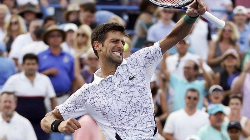 Tennis: Novak Djokovic bat Roger Federer à Cincinnati et écrit l'histoire