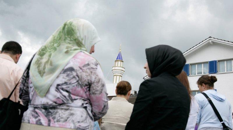 La création d'une distance vis-à-vis des musulmans est surtout problématique lorsqu'elle est couplée à des généralisations, insistent les auteurs de l'étude. (illustration)