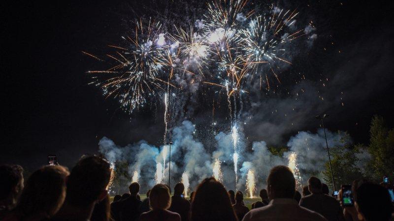 Fête populaire à succès et feux d'artifice pour célébrer le 1er Août aux Arêtes, à La Chaux-de-Fonds