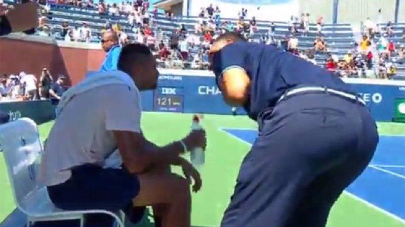 US Open: un arbitre «ne descend pas parler comme ça» désapprouve Roger Federer