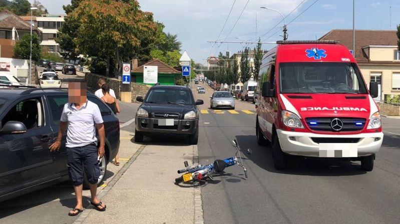 Le conducteur d'un vélomoteur blessé lors d'un accident à Neuchâtel