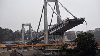 Pont effondré à Gênes: troisième nuit de recherches parmi les décombres