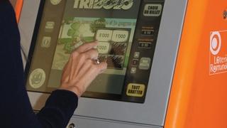 Aux sociaux, une Neuchâteloise perçoit 76'000 francs de gains de loterie et ne dit mot