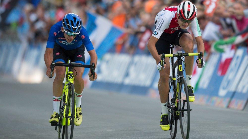 Alessandro Fancellu (à gauche) devance Alexandre Balmer (à droite) de justesse pour la troisième place.