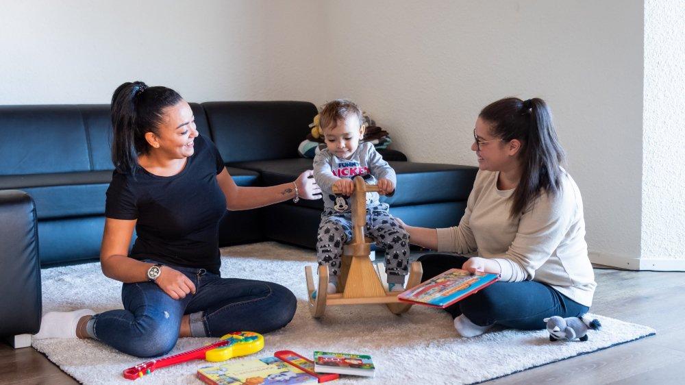 Les deux employées de crèche qui organisent du babysitting nocturne durant la Fête des Vendanges ont découvert qu'elles devaient obtenir une autorisation de l'Etat.