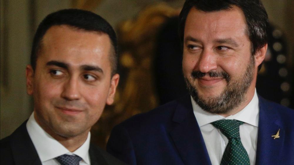 Les deux patrons de la coalition au pouvoir, Luigi Di Maio (à gauche) et Matteo Salvini, ont fait pression pour que le déficit public italien passe à 2,4% du PIB, au lieu des 0,8% prévus par leur prédécesseur à la tête du pays.