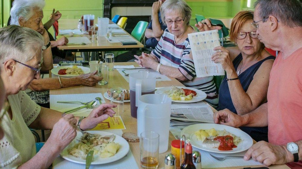 Un repas est servi chaque midi à l'Espace des solidarités, au sein de l'Hôtel des associations. Le prix? Cinq francs.