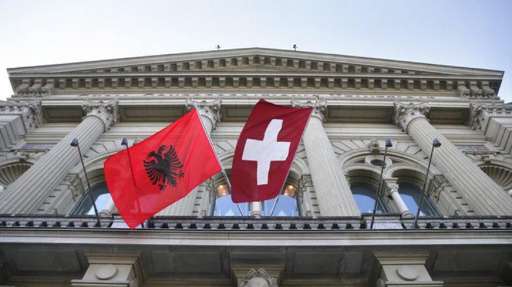 La Suisse compte quelque 250000 albanophones sur son territoire.